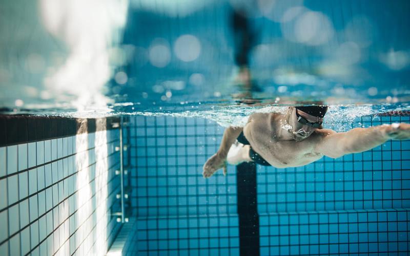 クロールの泳ぎ方/2軸・フラットなクロール